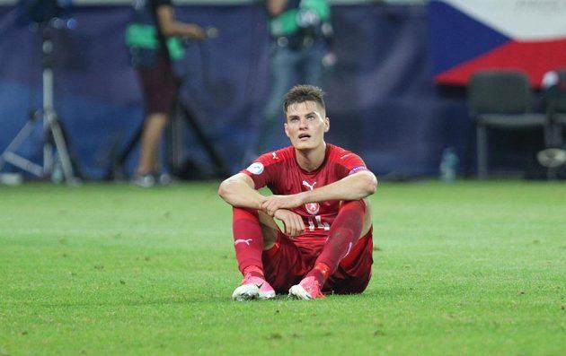 Smutný Patrik Schick po porážce s Dány.
