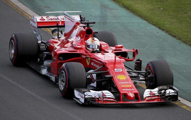 Německý pilot stáje Ferrari Sebastian Vettel