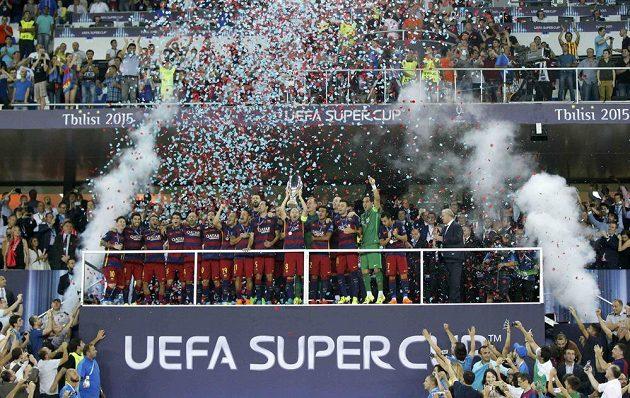Fotbalisté Barcelony získali popáté v historii Superpohár UEFA.