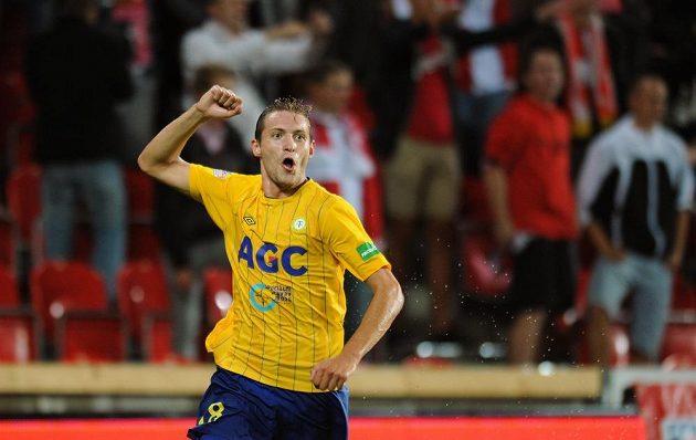 David Jablonský z Teplic se raduje z gólu v pražském Edenu.