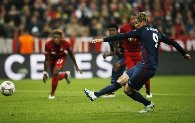 Fernando Torres neproměnil pokutový kop.