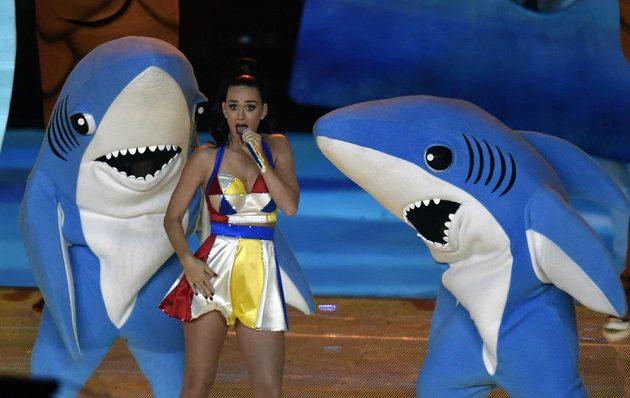 Zpěvačka Katy Perry během přestávky Super Bowlu.