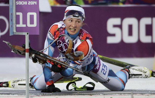 Česká biatlonistka Veronika Vítková při střelecké položce vleže v intervalovém závodu na 15 km.