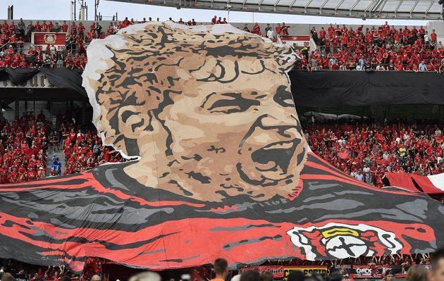 Bundesligové choreo v Leverkusenu. Legendární fotbalista Bayeru Stefan Kiessling se loučí s klubem po dvanácti letech a končí kariéru.