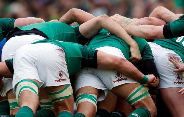 Irský roj zabírá...