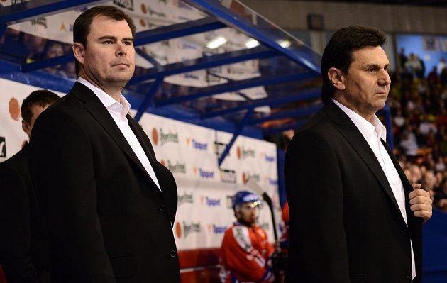 Kouč české hokejové reprezentace Vladimír Růžička (vpravo) a asistent trenéra Jaroslav Špaček během utkání Euro Hockey Challenge s Dánskem.