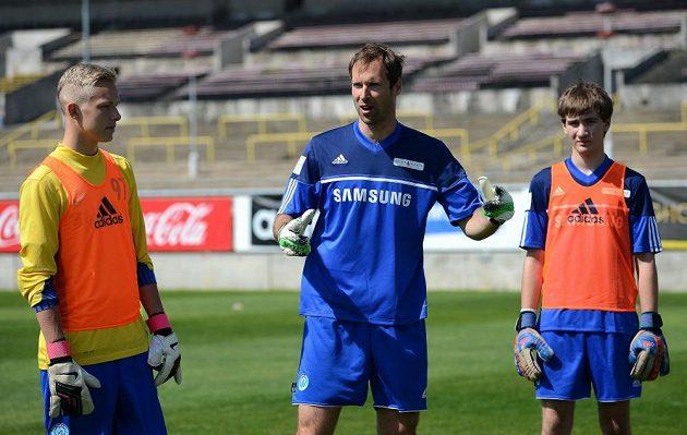 O trénink s Petrem Čechem byl mezi kluky obrovský zájem.