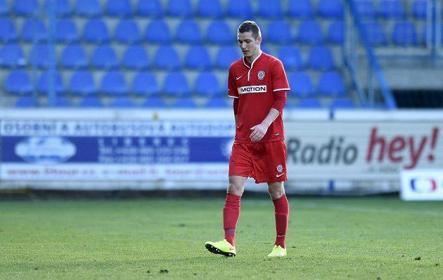 Vyloučený Josef Čtvrtníček z Brna během utkání 22. kola Synot ligy s Libercem.