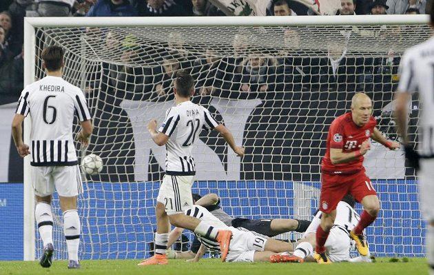 Arjen Robben zvýšil v Turíně náskok Bayernu už na 2:0.