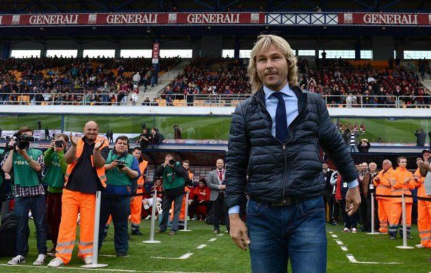 Pavel Nedvěd na stadiónu pražské Sparty před utkáním s Olomoucí.