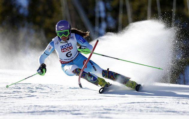 Šárka Strachová na trati slalomu v Beaver Creeku.