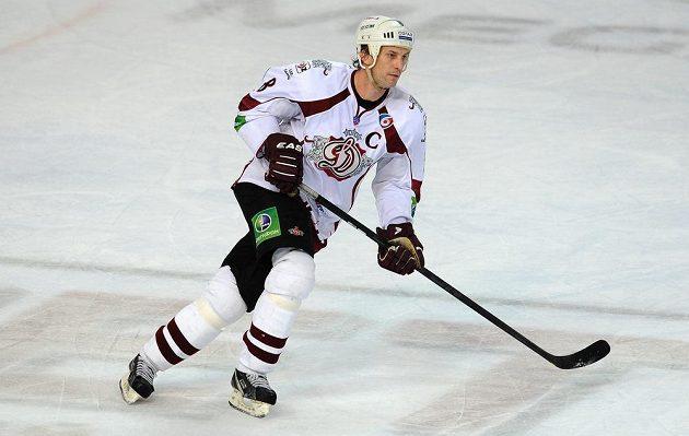 Obránce Dinama Riga Sandis Ozolinš v utkání proti pražskému Lvu.