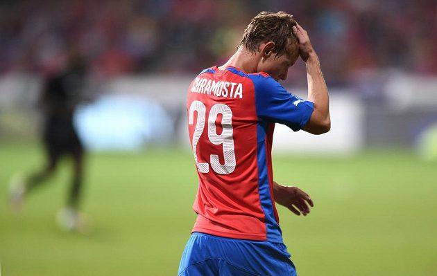 Plzeňský útočník Jan Chramosta během utkání 3. předkola Evropské ligy s Ploještí.