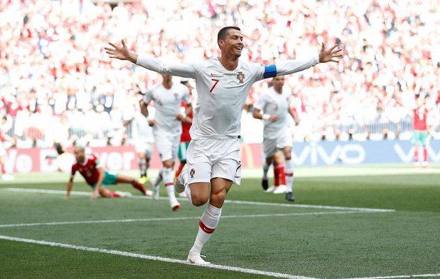 Portugalský fotbalista Cristiano Ronaldo v zápase MS s Marokem otevřel skóre a s 85 góly se stal nejlepším evropským reprezentačním střelcem.