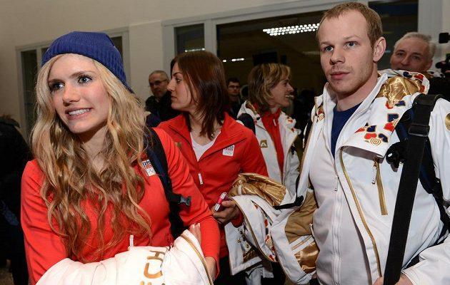 Biatlonistka Gabriela Soukalová před odletem do Soči na Zimní olympijské hry dne 30. ledna 2014 na kbelském letišti.