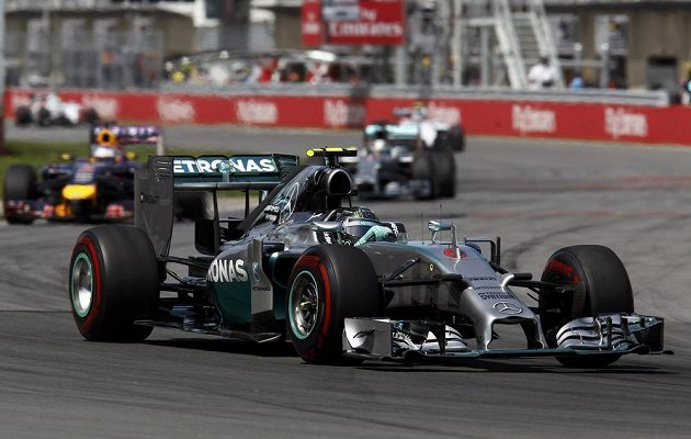 Nico Rosberg na trati GP Kanady na okruhu Gillese Villeneuva v Montrealu.