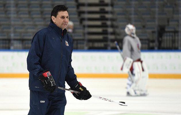 Trenér české hokejové reprezentace Vladimír Růžička během pondělního tréninku v O2 areně.