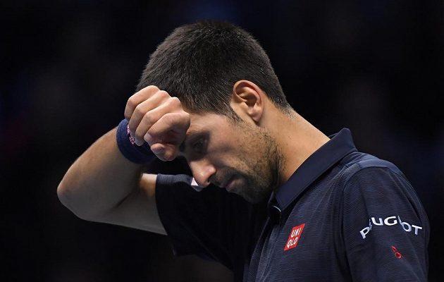Novak Djokovič se ve finále Turnaje mistrů chvílemi trápil.