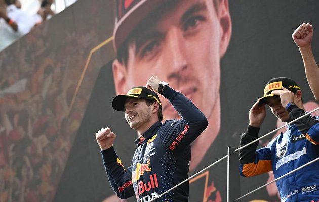 Vítěz Velké ceny Rakouska Max Verstappen z Nizozemska.