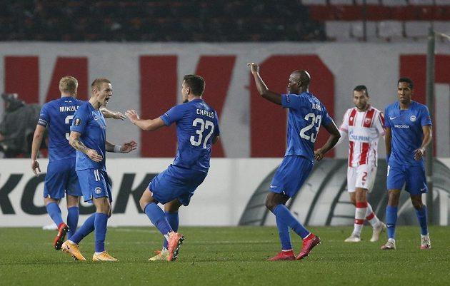 Liberečtí hráči se radují z kontaktní branky proti CZ Bělehrad.