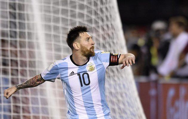 Spasitel! Argentinec Lionel Messi slaví, v utkání kvalifikace o postup na MS 2018 proti Chile, vstřelil z penalty vítězný gól.