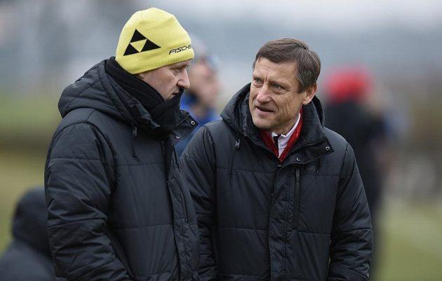 Trenéři Slovanu Liberec Josef Csaplár (vlevo) a Jiří Kotrba.