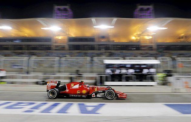 Kimi Räikkönen během tréninku na VC Bahrajnu.