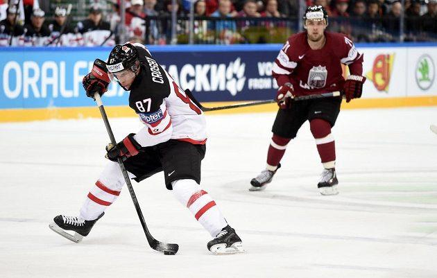 Kanadský útočník Sidney Crosby během utkání MS proti Lotyšsku.