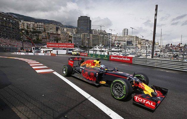 Pilot Red Bullu Daniel Ricciardo během Velké Ceny Monaka.