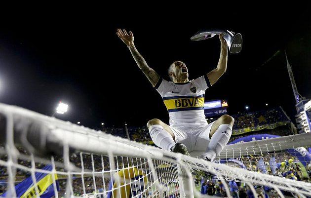 Carlos Tevez s Bokou Juniors slavil titul po výhře 1:0 nad Tigre-