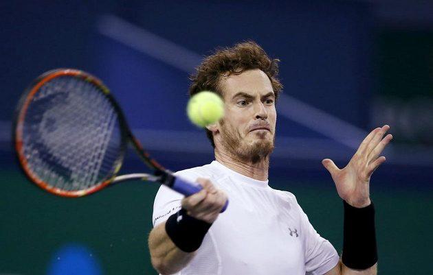 Britský tenista Andy Murray v zápase s Tomášem Berdychem ve čtvrtfinále turnaje v Šanghaji.