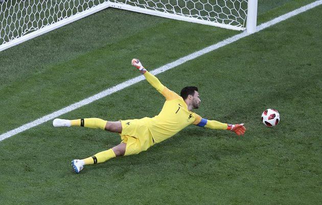 Francouzský gólman Hugo Lloris během semifinále MS proti Belgii.