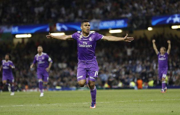Radost svátečního střelce Realu Madrid Casemira.