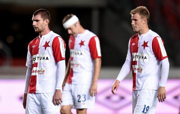Smutní slávisté Martin Juhar (vlevo), Karel Piták a Bekim Balaj.