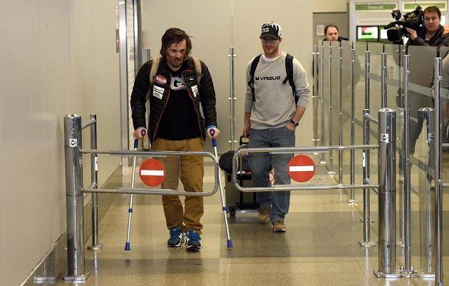 Ondřej Bank v terminálu letiště Václava Havla v Praze po příletu z MS.