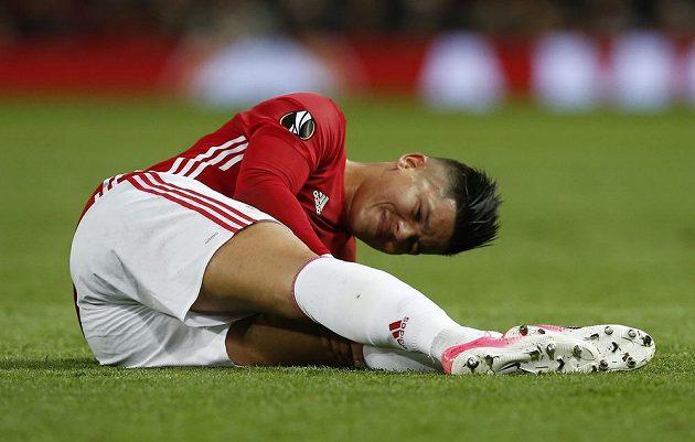 Zraněný fotbalista Manchesteru United Marcos Rojo v odvetě s Anderlechtem.