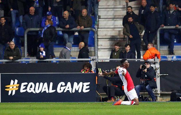 Ibrahim-Benjamin Traoré se raduje z druhého gólu Slavie v Genku.