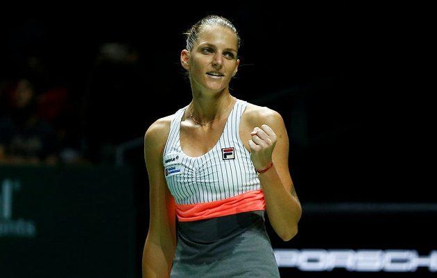 Tenistka Karolína Plíšková vstoupila vítězně do Turnaje mistryň v Singapuru. V Bílé skupině porazila Američanku Venus Williamsovou 6:2, 6:2. Bývalá světová jednička z toho měla velkou radost.
