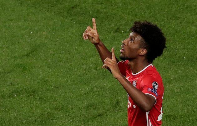 Kingsley Coman z Bayernu slaví gól ve finále LM.