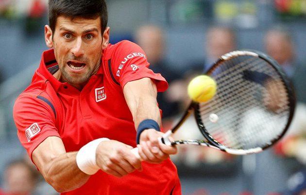 Srbský tenista Novak Djokovič během finálového zápasu s Andym Murraym.
