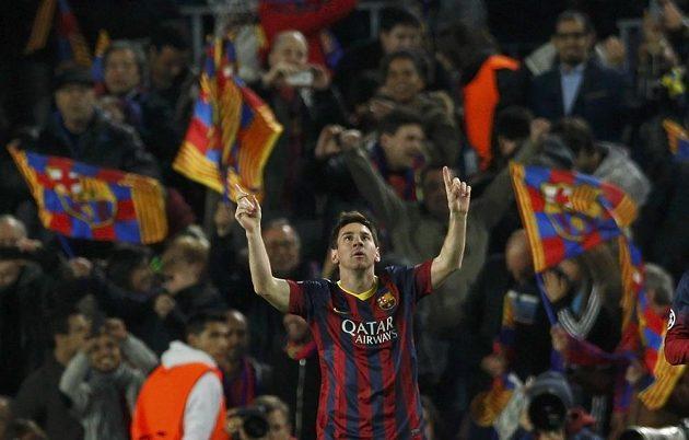 Lionel Messi z Barcelony se raduje ze vstřelení gólu proti Manchesteru City v odvetném osmifinálovém utkání Ligy mistrů.