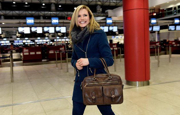 Hurá na sever! Biatlonistka Gabriela Soukalová na letišti Václava Havla před odletem na přípravný kemp do Finska.