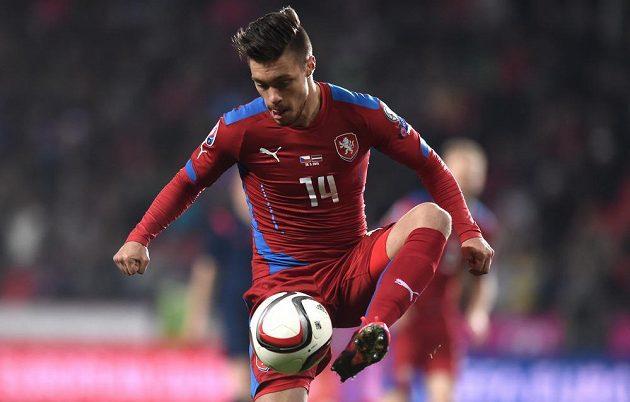 Český útočník Václav Kadlec zasáhl do posledních minut utkání kvalifikace ME 2016 s Lotyšskem.