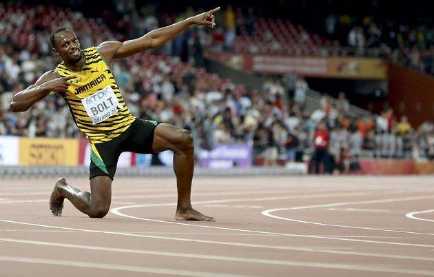 Typická póza Usaina Bolta.