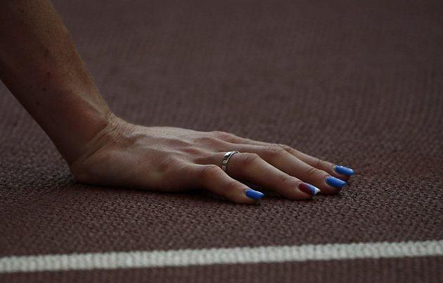 Zuzana Hejnová nepodcenila ani ozdobu svých nehtů.