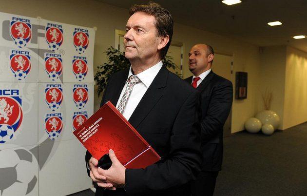 Člen výkonného výboru a kandidát na místopředsedu FAČR Roman Berbr.