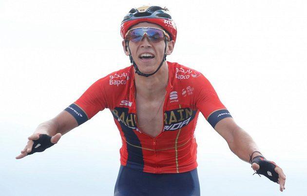 Belgičan Dylan Teuns v cíli šesté etapy Tour.