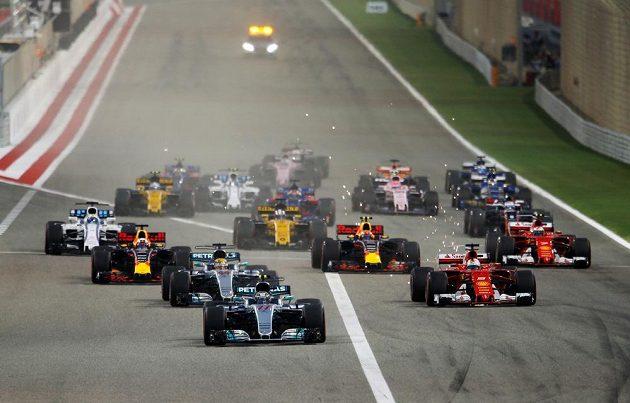 Start závodu v Bahrajnu.