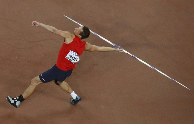 Vítězslav Veselý během finále oštěpu na MS v Pekingu.