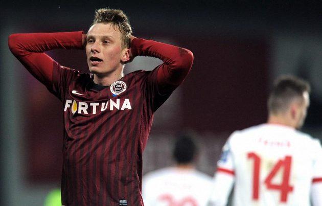 Ladislav Krejčí ze Sparty lituje spálené šance v utkání proti Plzni.